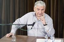 Herec a bavič Miroslav Donutil