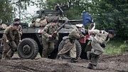 Devátý ročník show ve vojenském stylu - Tank Power v areálu přeloučského tankodromu.