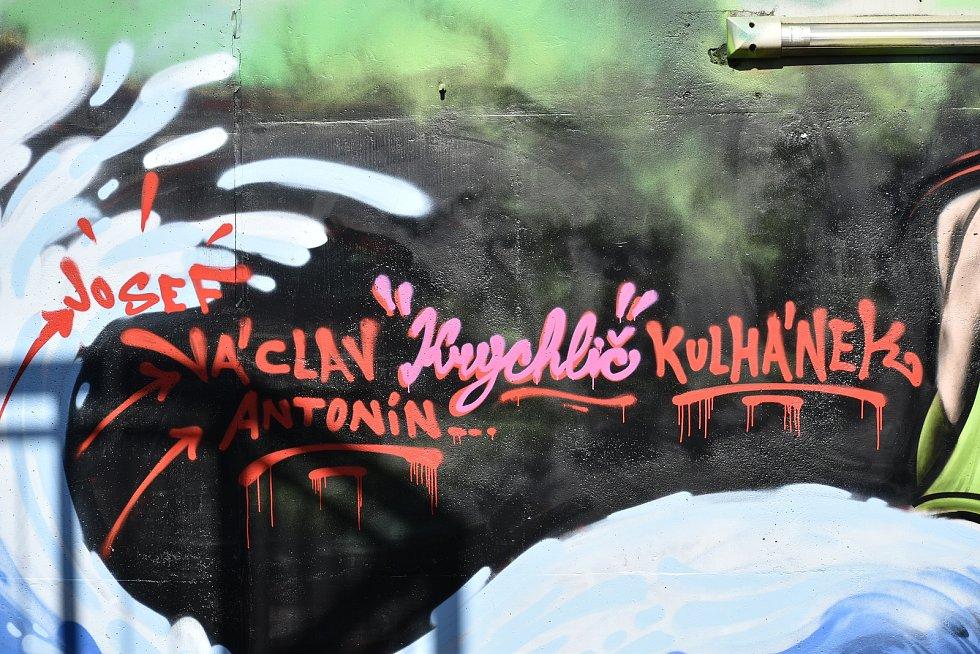 V Pardubicích vznikla malba zobrazující Krychliče.
