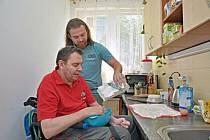 Hendikepovaní se snovým vybavením naučí vařit