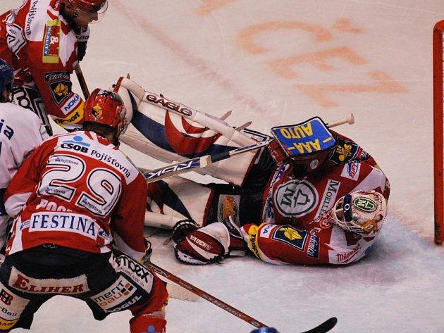 Hokejový zápas mezi HC Moeller Pardubice a HC Vítkovice Steel