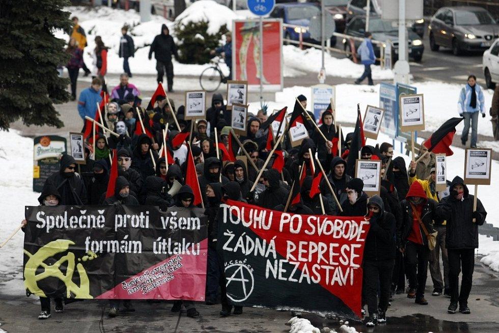 Pochod anarchistů městem