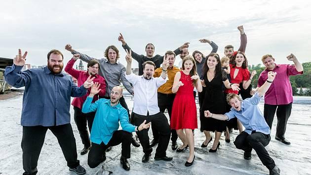Paleťáci, pardubická divadelně-improvizační skupina, slaví 10 let od svého vzniku.