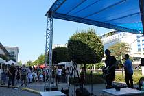 Street Food Festival před Palácem Pardubice v pátek a sobotu 3. a 4. září. Ochutnávky specialit z celého světa. Dva dny pestrého výběru jídla a pití nabídly stánky a food trucky.