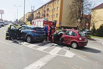 Dopravní nehoda na křižovatce ulic Pichlova a S. K. Neumanna