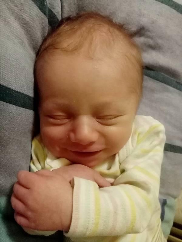 Borísek Matucha se narodil v Chrudimi 8. 4. 2021 v 16:26  hodin. Vážil 3420 g a měřil 49 cm. Velikou radost udělal mamince Nikole Vondráčkové a tatínkovi Ondřeji Matuchovi. Foto: rodina