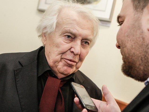 Pavel Kohout ve Východočeském divadle v Pardubicích na premiéře hry Konec masopustu.