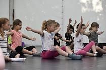 Tanečníkům chyběl pohyb. Proto taneční škola z Pardubic a Chrudimi přišla s projektem tanečních stanů.
