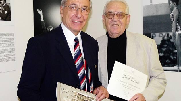 Vladimír David (vpravo) s Milanem Jiráskem, předsedou Českého olympijského výboru