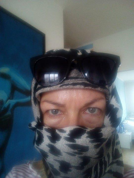 Editorka Deníku Ivana Fričová doplňuje roušku i ochrannými brýlemi