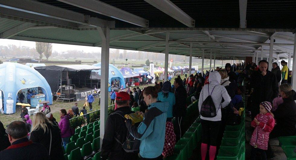 RunTour na dostihovém závodišti v Pardubicích.