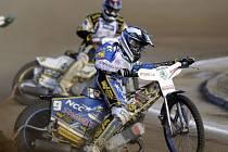 64. Zlatá přilba města Pardubic. Vítězství ve finále vybojoval polský jezdec Grzegorz Walasek.