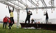 Běžci se v loňském roce prali se čtyřiceti překážkami.