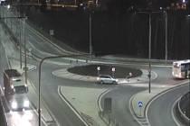Policie hledá tento kamion, který 15. ledna 2018 v 3:57 hodin projížděl Pardubicemi. Poznáváte-li jej, volejte linku 158.