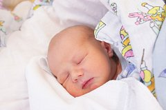 Vojtěch Jeřábek se narodil 22. 10. v 9:05 hodin. Vážil 3420 gramů a měřil 50 cm. Tatínek Břetislav podpořil maminku Miroslavu u porodu. Doma v Zaječicích čeká na brášku sedmiletý Tobiáš.