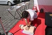 Na náměstí vyrostlo městečko mobilních ordinací s lékaři z různých oborů.