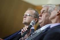 Návštěva prezidenta Miloše Zemana na Gymnáziu Dašická