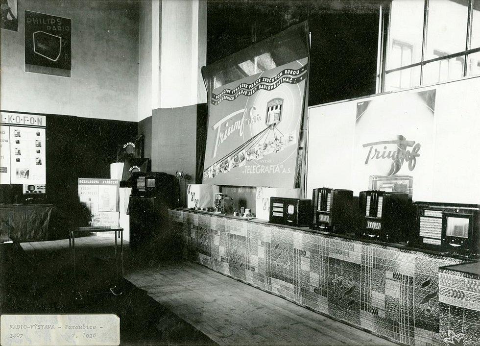 Firma Telegrafia na výstavě radiotechnických výrobků v Pardubicích, 1936 Foto: Východočeské muzeum v Pardubicích
