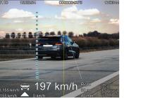 Policisté řidiči na D11 u Chlumce naměřili 197 km/ h, po odečtení stanovené tolerance 3 % byla výsledná rychlost jízdy 191 km/h.