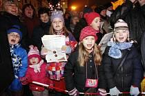 Česko zpívá koledy na Pernštýnském náměstí. Akce Deníku se zúčastnily stovky lidí. Děkujeme!