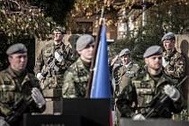 Den válečných veteránů na pardubickém hřbitově.
