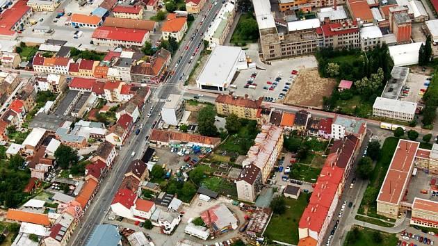 Křižovatka ulic Jana Palacha a Na Spravedlnosti