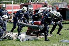 Závodní tým mužů v požárním útoku