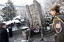 Pietní akt u památníku