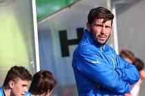 JAROSLAV KOVAŘÍK již přesedlal na trenérskou dráhu, kdy trénuje začínající fotbalisty Viktorie Plzeň, ale kopačky přesto rád znovu obuje, pokud má jen trochu volného času.