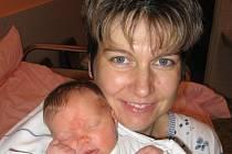 Osmapůlletá Miluška Kepková ze Zruče-Sence je štěstím bez sebe, protože od 18. listopadu má sestřičku Kamilku, které sama vybrala jméno. Kamilka (3,45 kg/50 cm) se narodila rodičům Miluši a Zdeňkovi 16 minut před osmou hodinou ráno v Mulačově nemocnici.