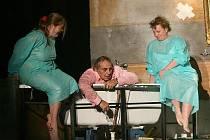 Skandál vyvolala v Maďarsku inscenace Led. Zítra a pozítří ji Národní divadlo z Budapešti uvede v Plzni