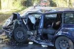 Sobotní nehoda se stala na silnici I/27 v lesním úseku mezi křižovatkou Vysoká u Dobřan a křižovatkou na Chlumčany.