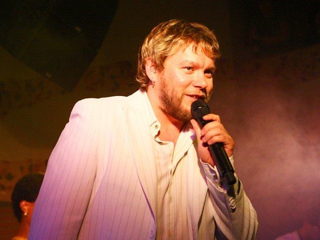 Oblíbený frontman kapely a znamenitý zpěvák  Matěj Rupert své plzeňské příznivce nezklamal.
