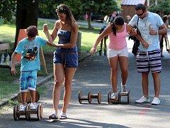 Sportmánie - celý týden si mohou nejen děti vyzkoušet nejrůznější sportovní i zábavné aktivity. Plzeňskou Sportmánii zahájili členové Sokola ukázkami na náměstí Republiky, ze kterého pak odešel průvod sportovců přímo do areálu bývalého výstaviště za OC Pl