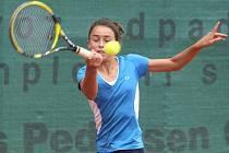 Španělská tenistka Julia Payolaová (na snímku) porazila ve včerejším utkání druhého kola mistrovství Evropy staršího žactva v Plzni Slovenku Kristinu Schmiedlovou 6:3, 6:2 a zajistila si účast v dalších bojích