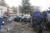 Nepořádek na pozemku v ulici Karla Steinera v Plzni