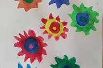 Obrázek koronaviru namalovala Monika Jirásková.