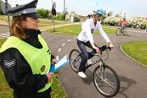 Téměř 130 školáků se ve středu prohánělo na kolech na dopravním hřišti 33. Základní školy v Plzni na Skvrňanech
