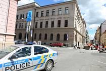 Neznámý pachatel nahlásil bombu v budově Krajského soudu.