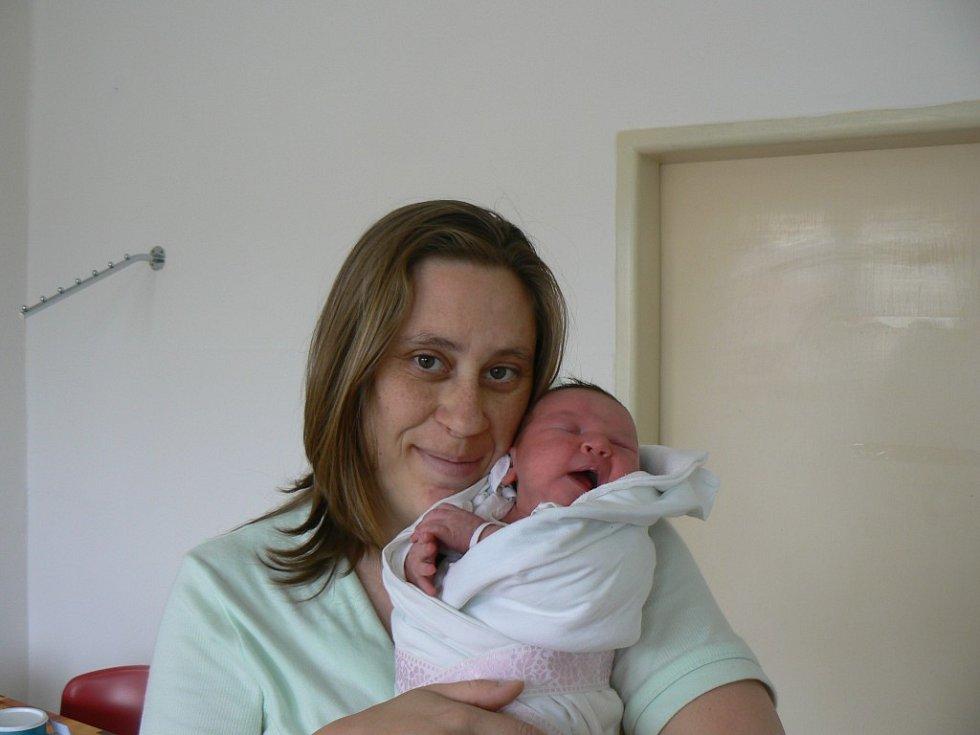 Terezka Zelená (3,70 kg, 51 cm) se narodila 1. června v8:58 hod. vMulačově nemocnici. Rodiče Pavlína Marková a Tomáš Zelený zPlzně už doma mají kluka Marečka, kterému je 3 a půl roku