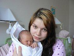 Petra Honzíková a Kristian Terzijski zPlzně se stali 26. prosince v8:28 hodin novopečeními rodiči. VMulačově nemocnici se jim narodil syn, který dostal jméno po otci. Kristiánek vážil 3,25 kg a měřil 52 cm