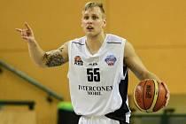 Rozehrávač basketbalové Lokomotivy Plzeň Václav Honomichl pravidelně sbírá několik desítek bodů a je jednou z opor týmu
