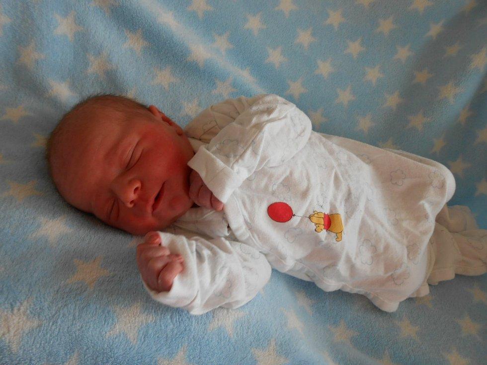Dominik H. se narodil 7. dubna 2021 v Domažlické nemocnici. Vážil 3410 g a měřil 50 cm.