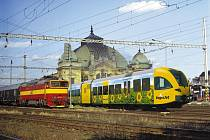 Rychlejších, bezpečnějších a modernějších vlaků se zatím v Plzni jen tak nedočkáme