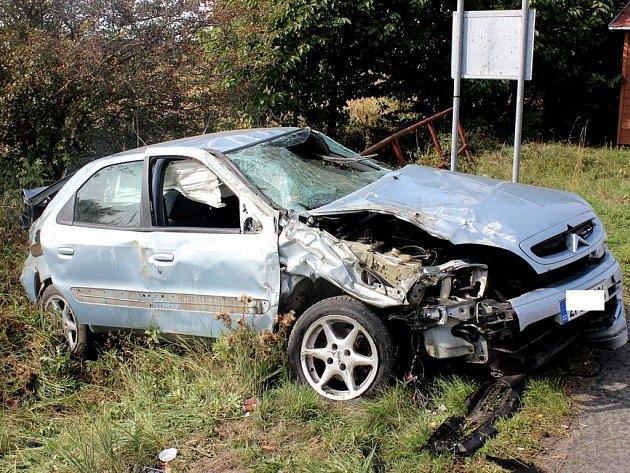 Řidička pod vlivem drog způsobila vážnou dopravní nehodu nedaleko Všerub.