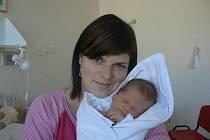 Ke dvaapůlletému Pavlíkovi přibyl rodičům Haně Šestákové a Ivanu Fritschovi zDolní Lukavice druhý syn, který dostal jméno Tomáš (3,70 kg, 52 cm). Narodil se 2. 9. ve 2:30 hod. vMulačově nemocnici