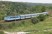 Den otevřených dveří u ražby tunelu mezi Doubravkou a Ejpovicemi. Vlaky z Plzně na Prahu jezdí nyní přes Chrást