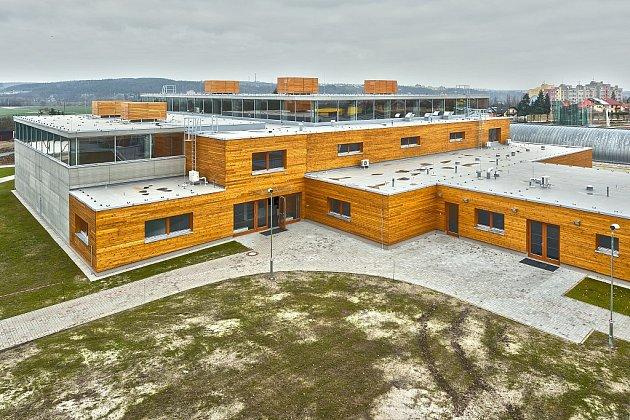 Sportovní a volnočasové stavby: Výstavba sportovišť vareálu SOUE Plzeň - přístavba sportovních hal