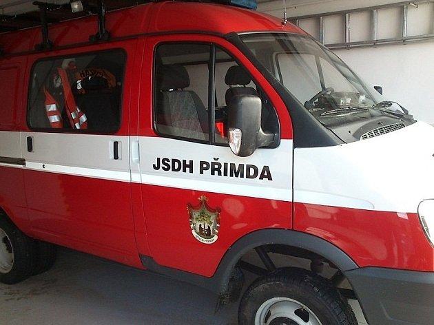 Dobrovolným hasičům ve Stříbře už skoro měsíc slouží nový zásahový vůz.