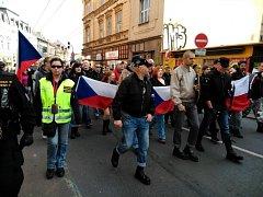 Extremisté v Tylově ulici.
